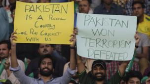 پشاور زلمی نے پہلے بیٹںگ کرتے ہوئے مقررہ 20 اوورز میں 157 رنز بنا کر آوٹ ہوگئی