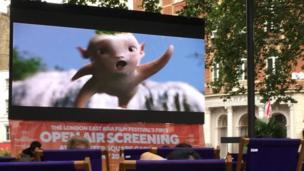 電影《捉妖記》在倫敦市中心露天放映