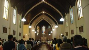قداس في كنيسة