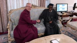 Shugaban Cocin Ingila, Archbishop na Canterbury, Justin Welby, yayin da ya kai wa Shugaban Najeriya Muhammadu Buhari a birnin Landan ranar Juma'a.