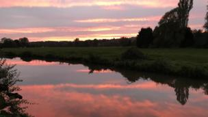 Sunset over Oxford Canal at Somerton