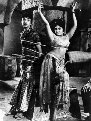 1950களில் நாடகங்களை எழுதி நடிக்க ஆரம்பித்த சோ, சுமார் 20 நாடகங்களை எழுதி இயக்கியுள்ளதோடு நூற்றுக்கும் மேற்பட்ட திரைப்படங்களிலும் நடித்திருக்கிறார்.