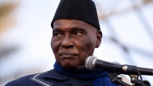 A 91 ans, l'ancien président du Sénégal Abdoulaye Wade, va diriger la liste d'une coalition de l'opposition pour les législatives.