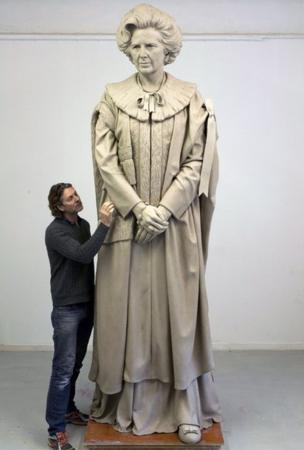 Sculptor Douglas Jennings and his bronze statue of Lady Thatcher
