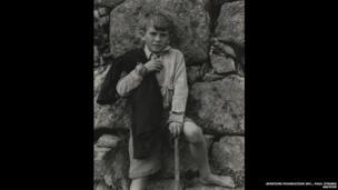 Iain Aonghas Dòmhnallach, Uibhist a Deas