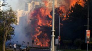 A wildfire rages in Haifa, Israel, Thursday, Nov 24, 2016