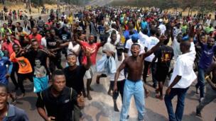 Des milliers de personnes ont accueilli Jean-Pierre Bemba à Kinshasa mercredi.