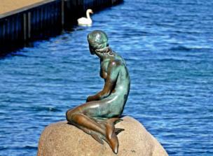 The Little Mermaid statue.