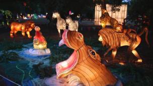 农历丁酉鸡年正月十五元宵节在西历的2月11日