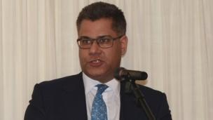 Quốc vụ khanh Phụ trách châu Á Thái Bình Dương, Dân biểu Alok Sharma khẳng định Việt Nam là một trong những điểm quan trọng đối với Anh về hợp tác về kinh tế, mậu dịch.