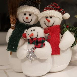 in_pictures Knitted snowmen