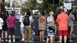 People on the Promenade des Anglais