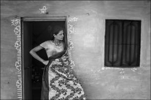 ব্লু মুন পাড়ার বাসিন্দা।