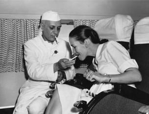 జవహర్ లాల్ నెహ్రూ, సిమోన్