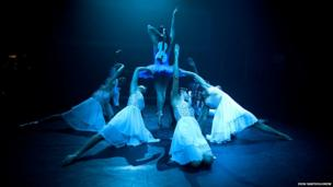 In their sizzling shows at the Pleasance Grand, Cuban dance company Balletronic performed a sensual fusion of classical and contemporary live music and dance.