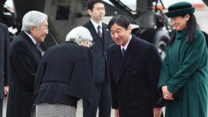 Japanese Emperor Akihito (L) and Empress Michiko (2nd L) leave for Vietnam as Crown Prince Naruhito (2nd R) and Crown Princess Masako (R) see them off at Tokyo's Haneda Airport on February 28, 2017. The royal couple are scheduled to visit Hanoi and Hue before travelling to Thailand, according to the Imperial Household Agency