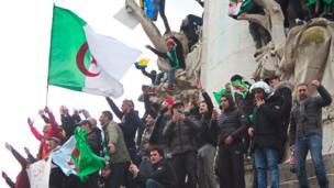 La diaspora algérienne en France est la plus importante au monde. (Nadir Djennad, correspondant BBC Afrique)