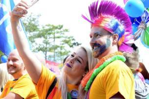 مهرجان بلفاست لزواج المثليين