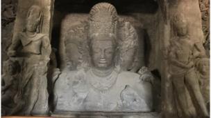 د هندو دیوتا شیو مجسمه