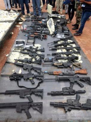 Armas decomisadas en Bolivia