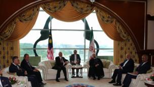 حسن روحانی، رئیس جمهوری ایران و نجیب رزاق، نخست وزیر مالزی
