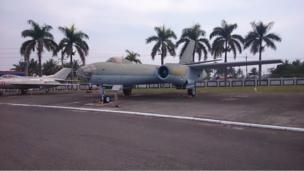 """李显斌将这架伊尔28型轰炸机从浙江杭州笕桥基地飞到台湾的桃园""""起义来归"""""""