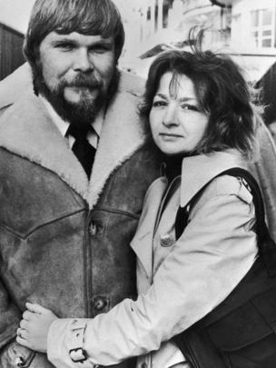 George y Kathy Lutz antiguos dueños de la casa de Amityville.