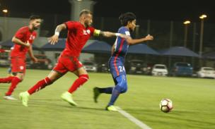 تیم های فوتبال افغانستان و سنگاپور روز گذشته در مجموعه ورزشی السیلیه دوحه قطر به مصاف هم رفتند که در پایان افغانستان با حساب ۲ بر ۱ در مقابل حریفش چیره شد