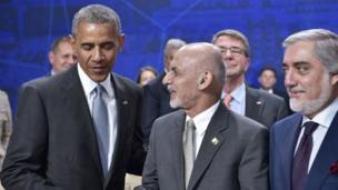 بارک اوباما با رئیس جمهوری و رئیس اجرایی افغانستان در نشست ناتو