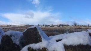 Awyr las ag eira // Snow and blue skies