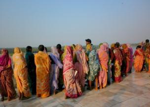 Mujeres con saris