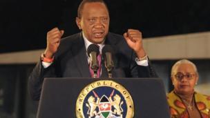 Le président Uhuru Kenyatta qui avaient été réélu selon les résultats provisoires, a dit qu'il n'était pas d'accord avec la décision de la Cour suprême de justice mais a promis de respecter cette décision.