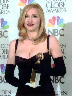 Madonna con el Globo de Oro por Evita (1997)