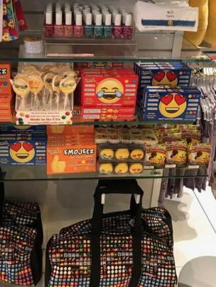 Emojis en una tienda