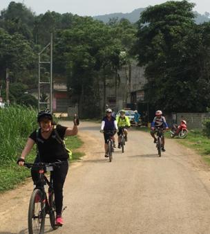 Đạp xe xuyên Việt