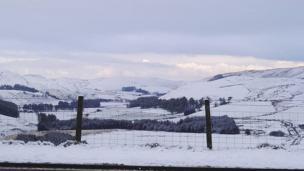 Ardal Aberystwyth yn edrych yn ysblennydd // The hills around Aberystwyth look resplendent