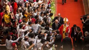 Pope greets crowds in Yangon, Myanmar