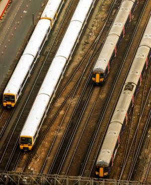 in_pictures Trains from above