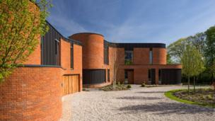 Incurvo, Goring by Adrian James Architects