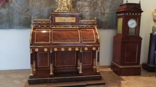 Ermitajda tosh asridan hozirgi zamongacha boʻlgan davrga oid 3 millionga yaqin san'at asarlari va madaniyat yodgorliklari saqlanadi.
