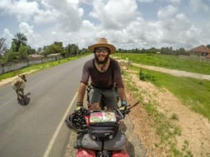 The goal of the Turkish documentary and journalist Hasan Söylemez is to pedal his way through 54 African countries