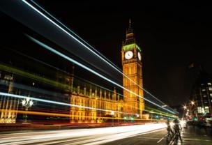 El Big Ben de noche.