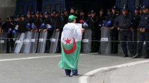 Ọkunrin to n se iwọde ni Algeria