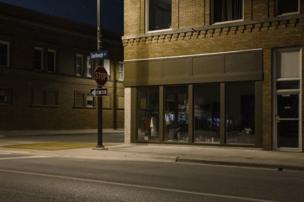 صورة ليلية لشارع