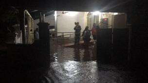 द्रमुक पक्षाचे प्रमुख करुणानिधी यांचं घरही पाण्यात बुडालं आहे.