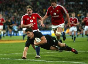 Dan Carter scores for NZ 2nd Test Wellington