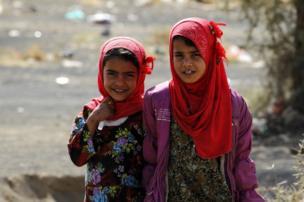 معاناة النازحات في اليمن