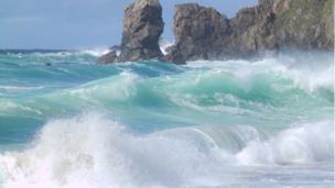 Dalmore beach waves, lewis