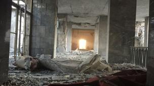 Gece boyunca Ankara'dan, başta TBMM'ye havadan yapılan saldırı olmak üzere bombalama haberleri gelmeye devam etti.