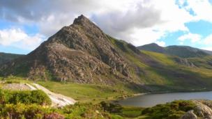Snowdonia's Tryfan and Llyn Ogwen